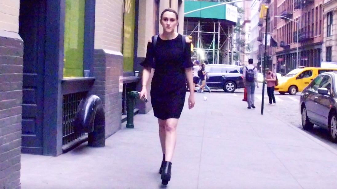 NYの街中からお届け!普段の洋服を程よくドレッシーに着こなすには?