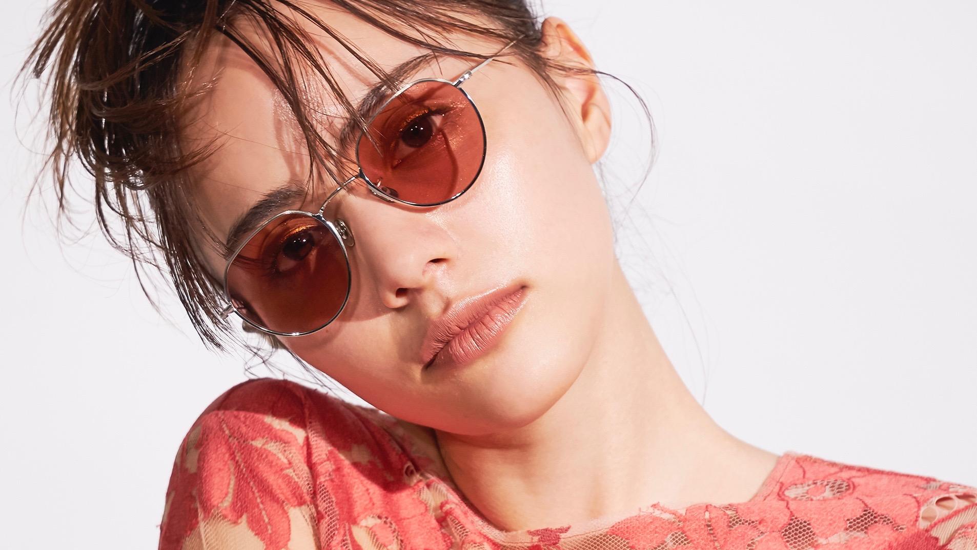 大人顔を狙うなら、メタルフレームサングラスを買わなきゃ