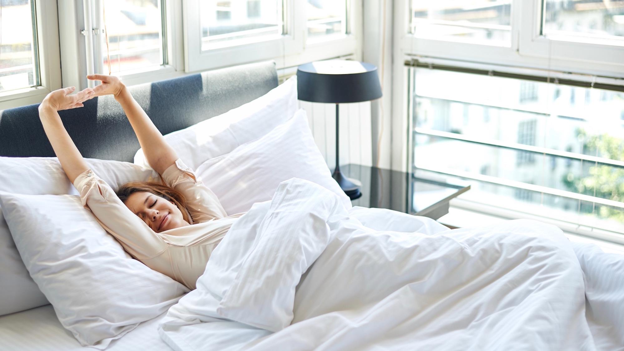 【眠りの質は寝具で決まる!】快眠セラピストが教える、オススメ枕とマット