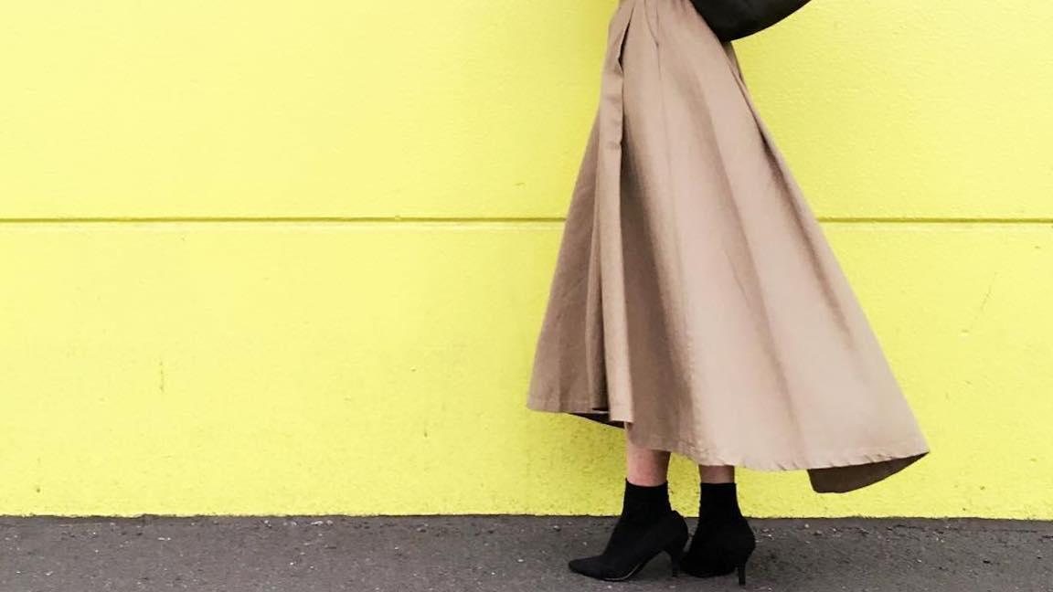 フィッシュテールスカートで大人かわいいコーデを完成させよう